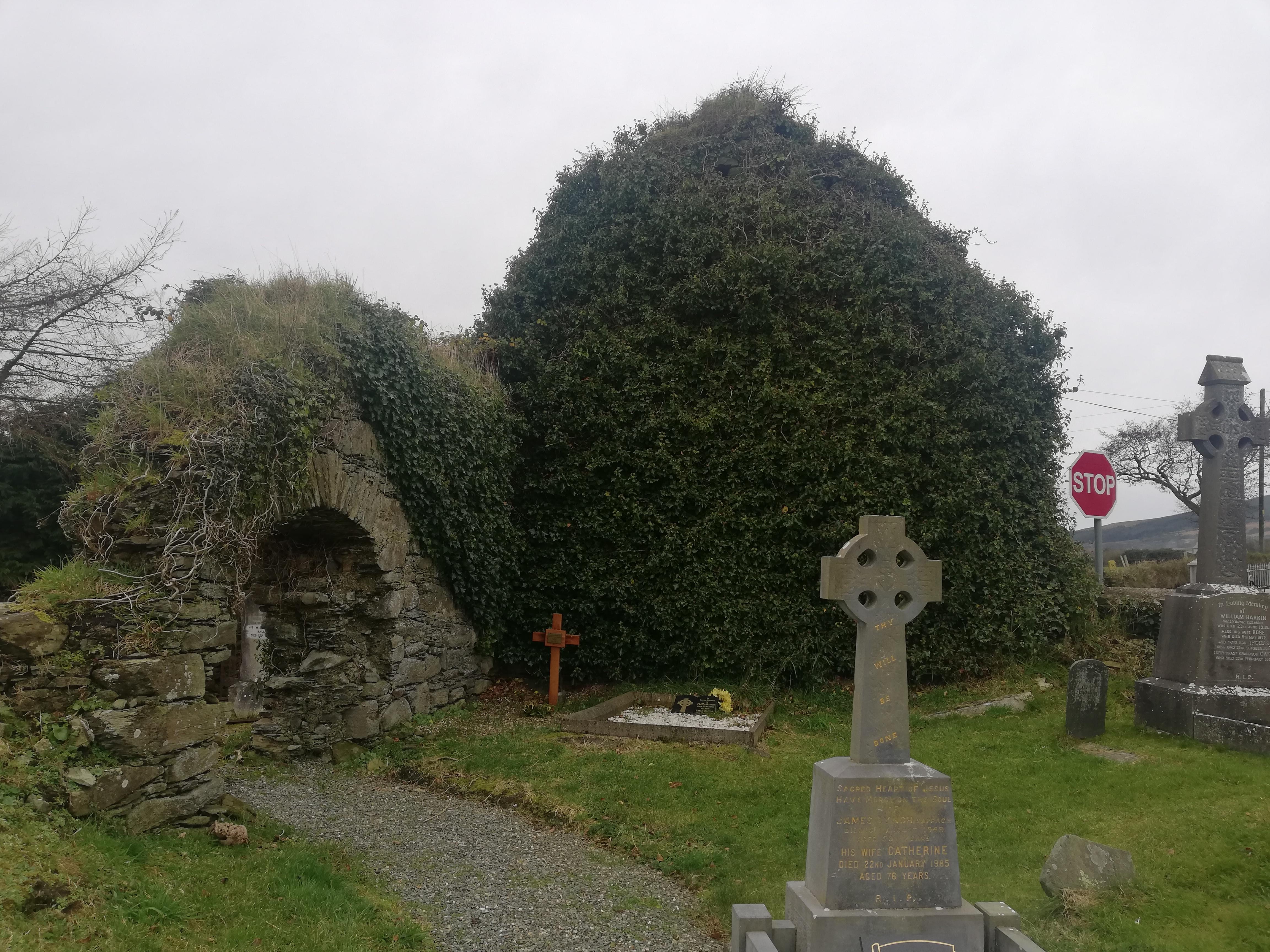 Iskaheen graveyard